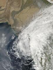 Cyclone Phyan raining on Tibet after breaking a record in India