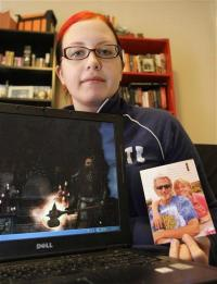 Death leaves online lives in limbo (AP)