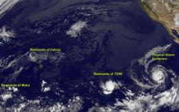 GOES-11 sees tropical cyclones fizzling and forming in the Eastern Pacific