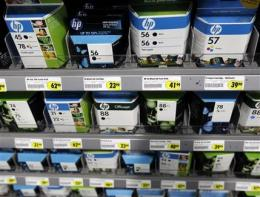 HP 3Q profit drops 19 pct, weak PC, ink sales (AP)