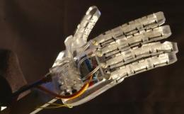 Improved robotic hand captures mechanical engineering top award