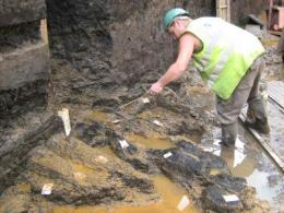 London's earliest timber structure found during Belmarsh prison dig