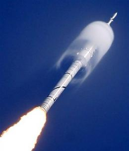 NASA: Booster rocket damaged in test flight (AP)