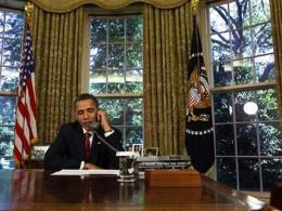 Obama calls astronauts aboard shuttle Atlantis (AP)