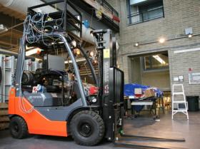 Robo-forklift keeps humans out of harm's way
