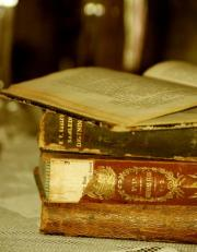 'Smell of old books' offers clues to help preserve them