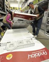 Solar power coming to a store near you (AP)