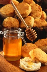 Sweet deception: New test distinguishes impure honey from the real thing