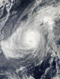 Typhoon Nida's cloud tops dropping as it zigzags in wind shear