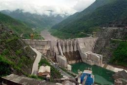 UN study advises caution over dams (AP)