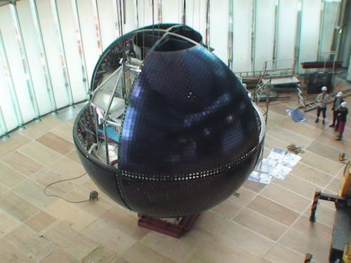 Mitsubishi electric installs 6-Meter OLED globe at science museum