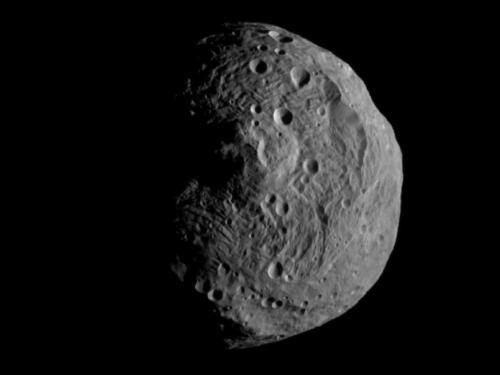 Dawn spacecraft returns close-up image of asteroid Vesta