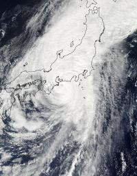 NASA's TRMM Satellite sees Typhoon Roke intensify rapidly before landfall in Japan