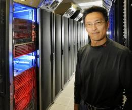 Virginia Tech's Wu Feng unveils HokieSpeed, a new powerful supercomputer for the masses