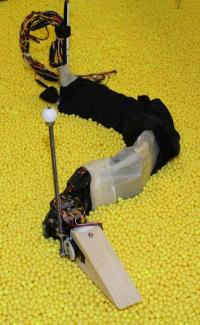 A tiltable head could improve the ability of undulating robots to navigate disaster debris