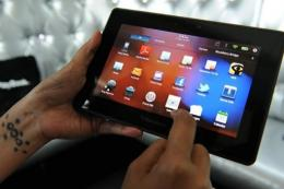 A trio of software developers said Wednesday they have cracked BlackBerry PlayBook tablet computer software