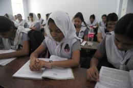 Bangladeshi school girls