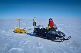 Antarctic expedition checks CryoSat down-under