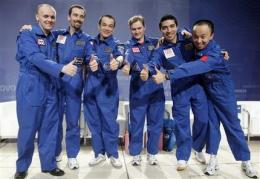 Crew of mock Mars mission appear healthy, joyful (AP)