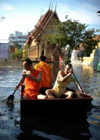 Death toll from Thailand's worst floods in decades jumped above 500 on November 6