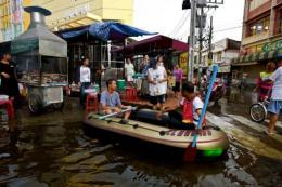 For now, Bangkok is relying on a complex system of dykes, canals, locks and pumping stations to keep waters at bay