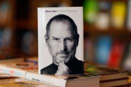 Late Apple co-founder Steve Jobs's biography was Amazon's best-selling book this year