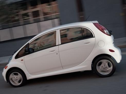 Mitsubishi announces two new versions of its i-MiEV electric vehicle