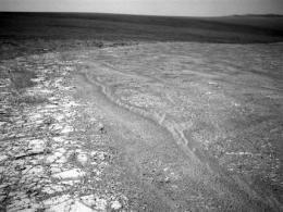 NASA rover prepares for 5th winter on Mars (AP)