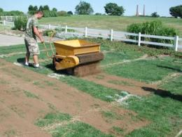 Optimal topdressing applications for athletic fields determined