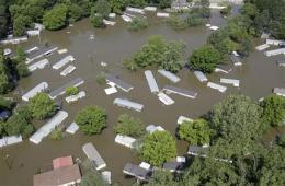 River crests in Memphis; states downstream prepare (AP)