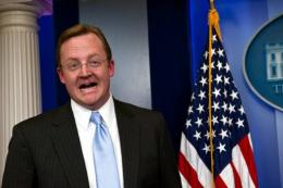 Robert Gibbs might get hired by Facebook