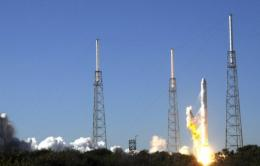 SpaceX's Falcon 9 rocket lifts off on in 2010 from launch pad 40 at Cape Canaveral, Florida