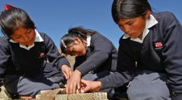 Stanford team shows Peruvian villagers how to protect adobe buildings from earthquake collapse