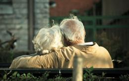 Study explores possible causes of well-being in old age