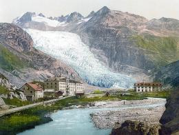 Swiss glacier finely tuned to climate changes