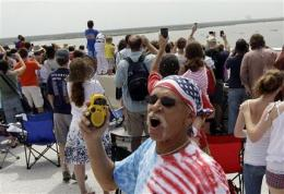 Tailgate party to remember for last shuttle launch (AP)