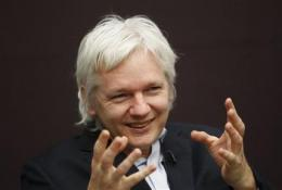 UK Court: Assange can continue extradition fight (AP)