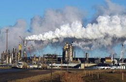 View of the Syncrude oil sands extraction facility near the town of Fort McMurray in Alberta Province, Canada in 2009