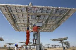 Chinese solar industry faces weak sales, price war