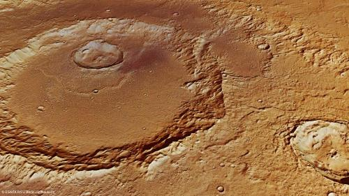 Hadley Crater provides deep insight into martian geology