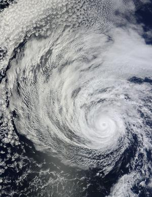 NASA analyzes twin hurricanes in the eastern Pacific