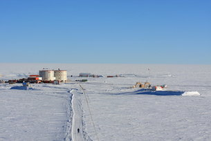 Shadows on ice: Proba-1 images Concordia south polar base