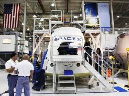 SpaceX's dragon, now with seating for seven