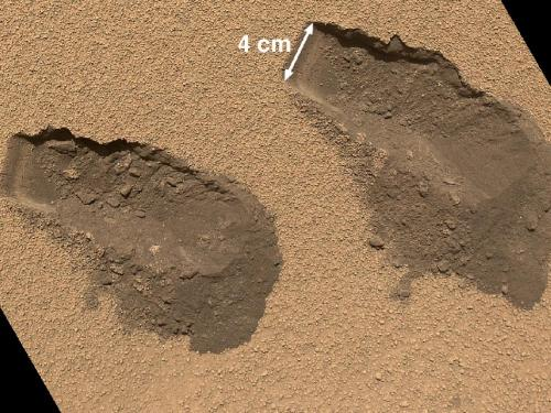 Mars rover Curiosity: No surprise in 1st soil test