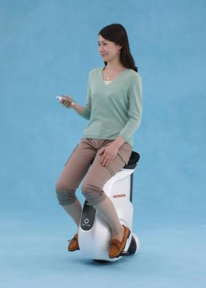 Honda introduces new UNI-CUB personal mobility device (w/ Video)