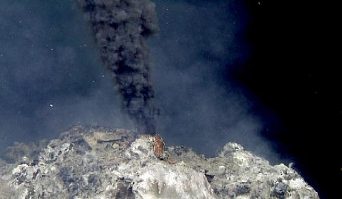 MBARI discovers new deep-sea hydrothermal vents using sonar-mapping robot