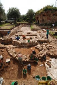 Continuity down through the ages: Proof of a thousand years' use of a Sicilian farmland estate