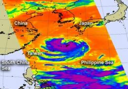 NASA sees Typhoon Haikui approaching China in visible and infrared light