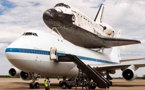 About 20 astronauts who flew to space aboard Discovery will escort it to the Smithsonian National Air and Space Museum