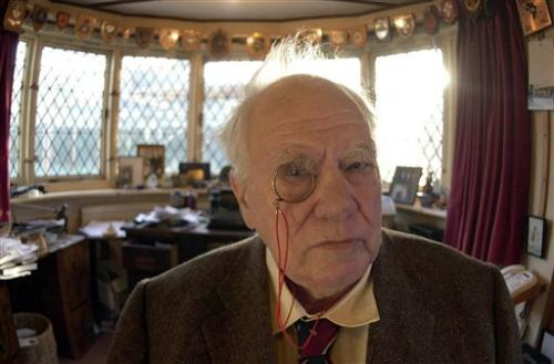 Astronomer Patrick Moore dies at 89